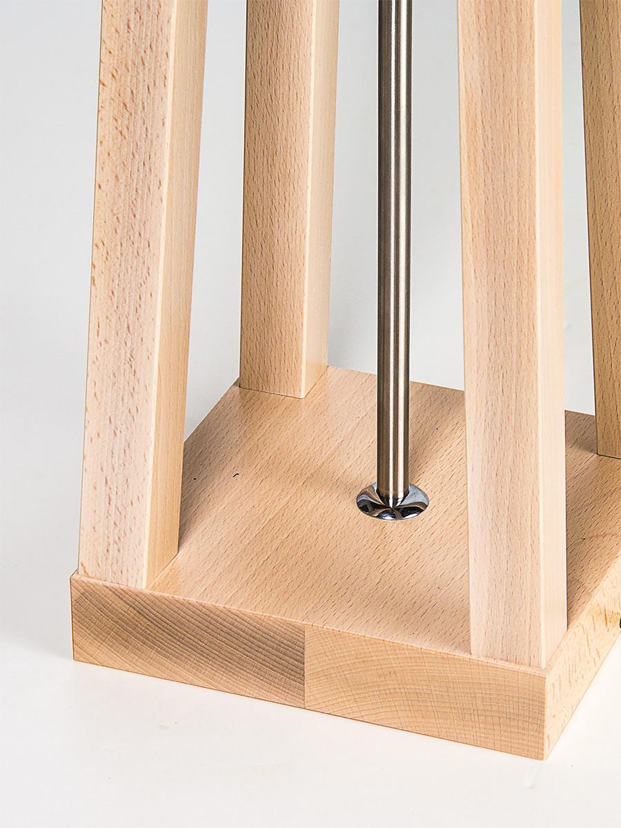hochwertige handgefertigte stehleuchte aus massivholz. Black Bedroom Furniture Sets. Home Design Ideas